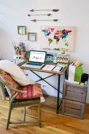 Home Office Ideas For Small Spaces by Best 25 Small Home Office Desk Ideas On Pinterest Office Desks