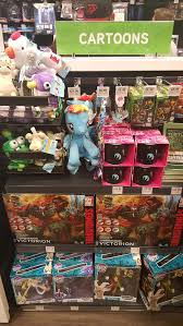 thinkgeek store opens in dolphin mall miami cosgamer blog