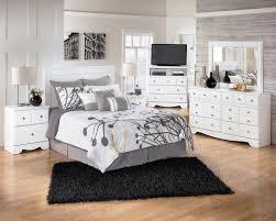 ashley signature design weeki contemporary 6 drawer dresser