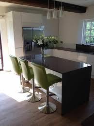 cuisine frigo americain cuisines simple cuisine en blanc et vert avec frigo americain grand