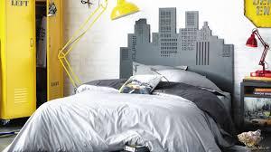 chambre cool pour ado cool de maison mur en consort avec idee de deco pour chambre ado