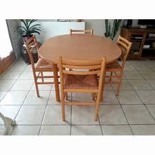 table ronde avec chaises table ronde de cuisine avec rallonge ikea table en bois great
