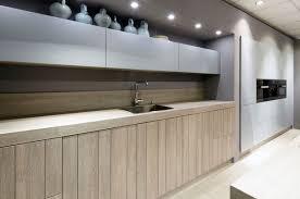 cuisine design toulouse cuisine design et contemporaine toulouse porte bois façon planche