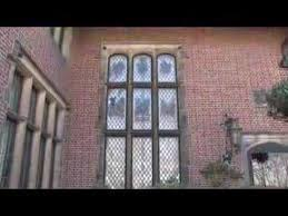what makes a house a tudor tudor houses youtube