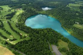 natural wonders in ny what makes green lakes so green video