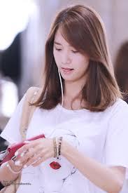 korean medium length hairstyles yoona airport korean fashion pinterest yoona hair style