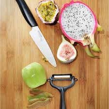 kyocera kitchen knives kyocera ceramic revolution 4 5 inch knife and y peeler set
