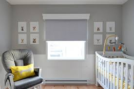 chambre bebe gris et jaune élégant la chambre de bébé gar on sous le