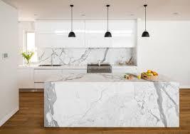 cuisine en marbre plan de travail cuisine en marbre ile galerie et plan de travail
