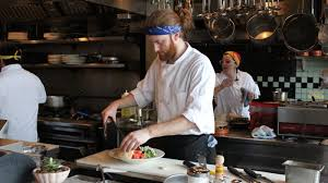 seattle restaurants scramble to pay a higher minimum wage the