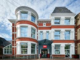 home design group ni ibis belfast queens quarter comfortable hotel in belfast