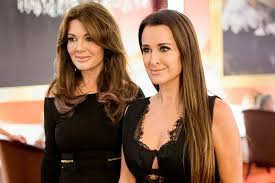 kyle richards needs to cut her hair kyle richards with blonde hair see pics the daily dish
