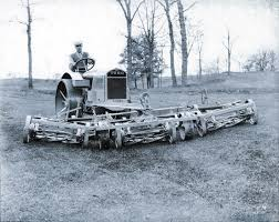 toro developed the standard golf machine in 1919 by mounting five