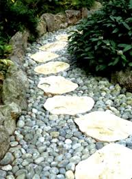 landscaping garden decorating ideas exterior plebio interior and landscaping garden decorating ideas exterior plebio interior and natural rock brick tile fence hexagonal varnished wood coffee table armchair stone pathway
