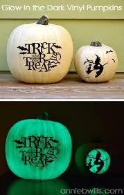 Halloween Glow In The Dark Decorations by Diy Outdoor Halloween Decorations The Idea Room