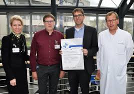 Herzklinik Bad Oeynhausen Das Herz Und Diabeteszentrum Nrw Feiert Seine Mitarbeiter