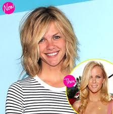 jennifer aniston hair color formula brooklyn decker s new hair get her beachy blonde look for