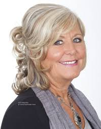 johnbeerens hairstyler medium long curly hairstyle for aged women with grey hair