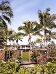 Oprah Winfrey Homes by 10 Stunning Celebrity Beach Homes Vacay Getaways Hgtv U0027s
