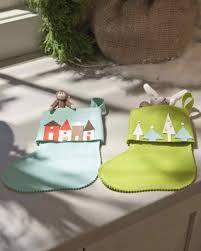 affordable christmas crafts diy felt christmas stockings martha