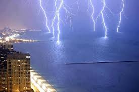 Minnesota how fast does lightning travel images Lightning strikes off lake shore drive in chicago lake michigan jpg
