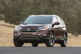 hyundai tucson or honda crv 2016 hyundai tucson vs 2015 honda cr v which is better autotrader