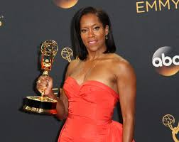 smooches and smiles best looks from the emmys u0027 winners u0027 circle wjla