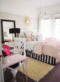 What Classy Teen Room Decor Loving The Black And White Strips - Bedroom ideas teenagers
