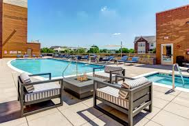 stonebridge luxury apartment homes aurora il apartments 500 station blvd apartments near naperville