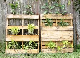 How To Build A Vertical Garden - how to build a vertical pallet garden home design inspirations