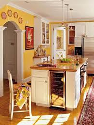 cuisine jaune et blanche cuisine blanche mur jaune chaios com
