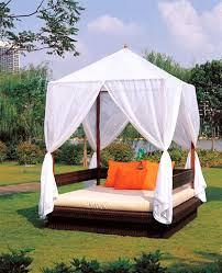 Outdoor Daybed With Canopy Outdoor Daybed With Canopy Birdcages