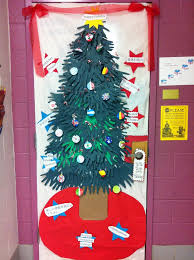Christmas Crafts For Classroom - 120 best christmas decoration doors bulletin boards images on