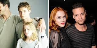 on screen siblings who fell in love off screen screen rant