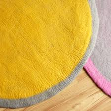 Color Yellow Two Color Yellow Round Felt Rug From Bunt B2b Marketplace Portal