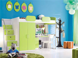 kinderzimmer mit hochbett komplett hochbett geko schreibtisch schrank treppe room