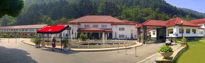 the lalit grand palace srinagar 5 star hotel in srinagar kashmir
