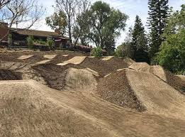 Backyard Bmx Dirt Jumps Pin By Remelemdingdong On Dirt Bike Bmx Park Pinterest Dirt