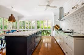 Kitchen Cabinet Makers Brisbane by Traditional Country Kitchen Design Brisbane With Natural Marble