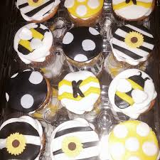 bumble bee cupcakes bumble bee baby shower cake and cupcakes cakecentral