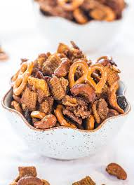 crock pot maple pumpkin spice chex mix averie cooks