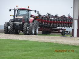 gold caseih magnum 305 u0026 34 36 corn planter on tracks caseih