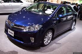 lexus hs250 wheels global recall for 2010 toyota prius and lexus hs250h over software