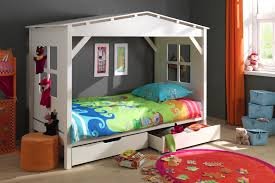 chambre timeo lit cabane enfant timeo sorti tout droit d un rêve d enfant so nuit
