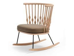rocking chair chambre bébé meilleur petit fauteuil bascule en bois collection nub by andreu