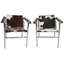 le corbusier style lc1 sling chair in cowhide by design within