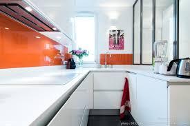 aménagement cuisine en u design italien finition laque blanc