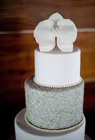 silver wedding cakes winter white wedding cake a wedding cake