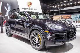 cayenne porsche 2016 image 2016 porsche cayenne turbo s live photos 2015 detroit auto
