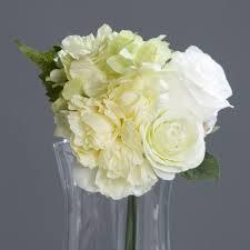 composition florale avec des roses composition florale bouquet hortensia rose blanches pier import